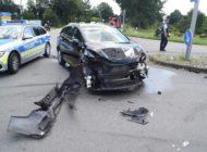 POL-HF: Zusammenstoß im Kreuzungsbereich- Hocher Sachschaden