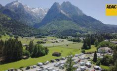 Die wichtigsten Tipps zum Camping in Corona-Zeiten/ ADAC Campingführer macht den Praxis-Check / 1155 Campingplätze in Deutschland bewertet / Plätze buchbar im ADAC Campingportal pincamp.de