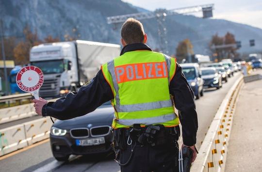 Bundespolizeidirektion München: Mutmaßlicher Schleuser gefasst – Statt Familienfeier zur Bundespolizei