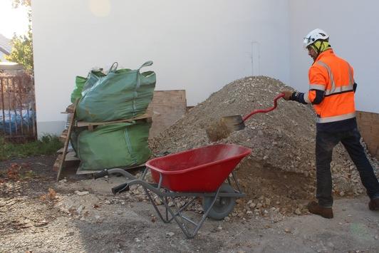 Arbeitsschutz beim privaten Hausbau ernst nehmen – Eigenbau: Helfer bei der BG BAU versichern