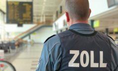 HZA-P: Zoll bittet zur Gepäckkontrolle / Zollbeamte am Flughafen Berlin-Schönefeld stellen als Geschenk verpackte Dopingmittel sicher