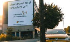 Zum Klimastreik: LichtBlick setzt auf saubere Werbung - mit luftreinigendem Riesenposter / Alle Mitarbeitenden bekommen zur Demo-Teilnahme frei