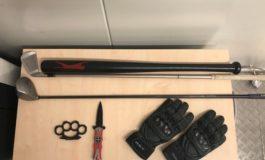 Bundespolizeidirektion München: Schlagring griffbereit mit Magnet neben dem Lenkrad befestigt / Bundespolizei zieht verbotene Waffen aus dem Verkehr
