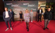 """""""Gott, Du kannst ein Arsch sein!"""" - Bewegende Premieren in Köln und München / Ab 1. Oktober im Kino"""