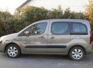 POL-WHV: Verkehrsunfallflucht in Bockhorn - Lkw-Fahrer beschädigt beim Rückwärtsfahren bzw. Rangieren einen Pkw und flüchtet