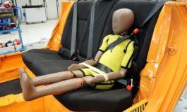 Der ADAC warnt vor Kindersitz-Ersatz / Zusatzgurt Smart Kid Belt versagt beim Crash und birgt Verletzungsrisiken.