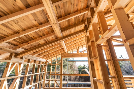 Wohntrend Selbstbauen: 93 Prozent packen beim Hausbau zu, 26 Prozent auch bei geringer Kostenersparnis